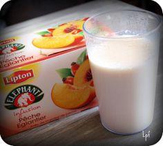 Recette de yaourt maison (yaourtière) parfumé au thé pêche-églantier. Lipton, Desert Recipes, No Bake Desserts, Mousse, Glass Of Milk, Yogurt, Recipies, Deserts, Nutrition