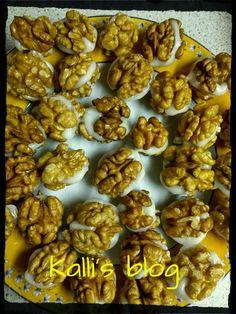 "Kalli's blog: ""Καρυδένια σαντουϊτσάκια"" Stuffed Mushrooms, Vegetables, Breakfast, Ethnic Recipes, Blog, Stuff Mushrooms, Morning Coffee, Vegetable Recipes, Blogging"