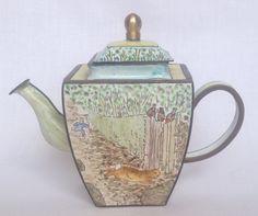 Chasing - World Of Beatrix Potter - Charlotte di Vita miniature teapot