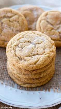 These soft and chewy maple snickerdoodles are so easy to make! The pure maple syrup flavor adds a sweet twist on the classic snickerdoodle recipe! These are sure to be a total crowd pleaser! Maple Cookies, Sugar Cookies, Cookie Recipes, Dessert Recipes, Cookie Tips, Yummy Recipes, Baking Recipes, Salad Recipes, Delicious Desserts