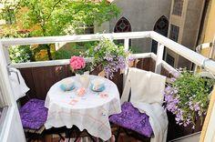 Balcón con flores.  (Alvhem Mäkleri och Interiör)