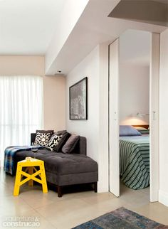 Reforma derruba paredes de apartamento de 37 m³ com planta irregular - Casa