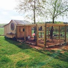 Awesome 75 Creative and Low-Budget DIY Chicken Coop Ideas for Your Backyard https://decoredo.com/5726-75-creative-and-low-budget-diy-chicken-coop-ideas-for-your-backyard/