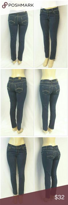 """CITIZENS OF HUMANITY INGRID Skinny Stretch size 30 CITIZENS OF HUMANITY, INGRID #002, Skinny Stretch Denim Jeans, size 30 See Measurements, slightly distressed around edges, machine washable, 98% cotton, 2% polyurethane, approximate measurements: 17"""" waist laying flat, 32"""" inseam, 3"""" zipper, 7"""" rise. ADD TO A BUNDLE! 20% BUNDLE DISCOUNT Citizens of Humanity Jeans Skinny"""