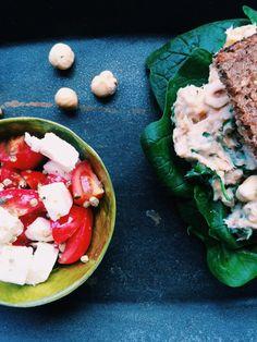 Die 5 Zutaten Low FODMAP-Challenge: Makrelen-Haselnuss-Dip und Feta-Tomaten-Thymian Salat für Colleen von FODMAPLife.com | fructopia.de #glutenfrei #Weizenfrei #FODMAP-arm #fructosearm #Zwiebelfrei