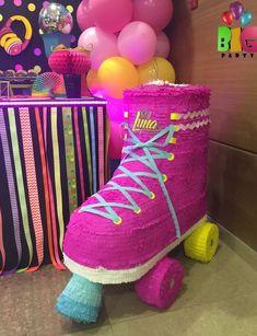 Roller Skating Birthday Party Ideas – Birthday Ideas – Grandcrafter – DIY Christmas Ideas ♥ Homes Decoration Ideas Retro Birthday, Frozen Birthday Party, Birthday Parties, Themed Parties, 9th Birthday, Birthday Ideas, Roller Skating Party, Skate Party, Roller Skate Cake