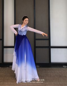 클래식 워십조끼 Praise Dance Wear, Praise Dance Dresses, Worship Dance, Jj Dresses, Vestidos Chiffon, Garment Of Praise, Dance Uniforms, Indian Designer Outfits, Dance Outfits