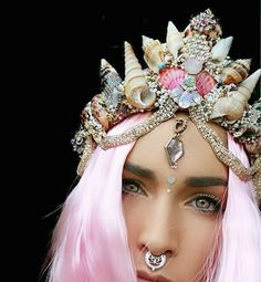 Floral crowns may be a staple for festivals and whimsical parties, but Chelsea Shiels is taking the world by storm with her mermaid-inspired, seashell-encr Shell Crowns, Seashell Crown, Chelsea, Pretty Mermaids, Mermaid Crown, Mermaid Bar, Mermaid Headpiece, Mermaid Princess, Mermaid Style