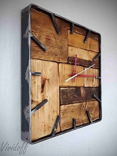 Hodiny nástenné industrial look for a wall clock Rustic Wall Clocks, Wooden Clock, Rustic Walls, Vintage Industrial, Industrial Style, Wall Watch, Welding Projects, Log Homes, Bars For Home