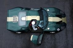 Green Ford GT40