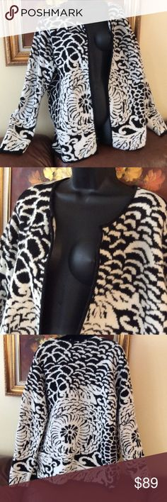 """Beautifull blend 💞of merino wool/rabbit hair💞 Very adorable sweater ,excellent  condition , length 29"""" Ellen Tracy Sweaters Cardigans"""