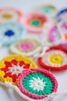 DIY crochet color bunting
