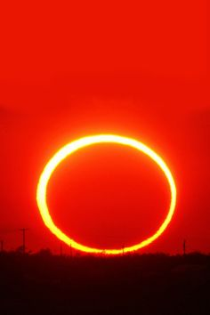 Ring of fire sunset (by Fabrizio Melandri)2012 May 20 annular eclipse as seen from Lake JB Thomas (Texas)
