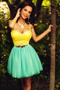 £: Abito princess - bustino giallo - gonna in tulle verde acqua - diamanti in vita - ABITI - Abbigliamento » Moda Mania