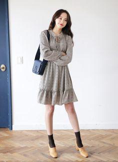 20 Ideas For Dress Cute Girly Modern Hijab Fashion, Ulzzang Fashion, Asian Fashion, Trendy Dresses, Cute Dresses, Casual Dresses, Skirt Fashion, Fashion Dresses, Korea Dress