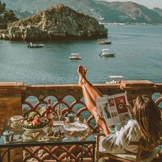 fernweh wanderlust A Californian Home Decorated in Elegant Neutrals :: This Is Glamorous Places To Travel, Places To Go, Travel Destinations, You Are The Sun, Images Esthétiques, European Summer, Summer Dream, Northern Italy, Foto Pose