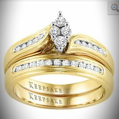 Wishing and hoping I see this on my ring finger one day!!!