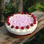 Himbeer-Joghurt-Torte mit Baiser