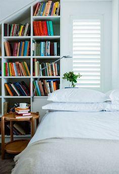 Reading in bedagain.