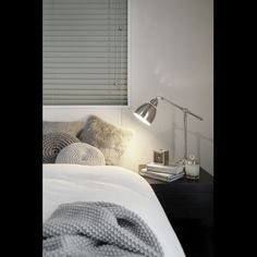 201 暖房/ベッド周り/グレー/モノトーン/クッション/ベッド…などのインテリア実例 - 2015-01-15 17:31:36 | RoomClip(ルームクリップ)