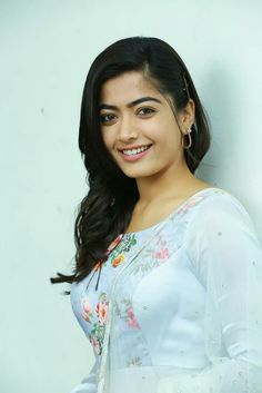 Rashmika Mandanna Photos - Chai Samosa South Indian Actress SALUTE TO INDIAN ARMY DAY - JAN15 PHOTO GALLERY  | PBS.TWIMG.COM  #EDUCRATSWEB 2020-05-11 pbs.twimg.com https://pbs.twimg.com/media/DTk3c27VAAALKGx.jpg