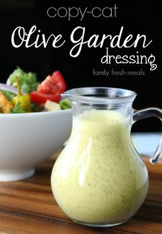 Copycat olive garden salad dressing in a glass container Olive Garden Salad, Olive Garden Recipes, Olive Garden Soups, Olive Salad, Salad Dressing Recipes, Salad Recipes, Sub Dressing Recipe, Family Fresh Meals, Cooking Recipes