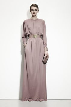 Bottega Veneta - Pre-Fall 2013 2014 - Shows - Vogue. Muslim Fashion, Modest Fashion, Hijab Fashion, Runway Fashion, Fashion Show, Womens Fashion, Fashion Trends, Pink Gowns, Inspiration Mode