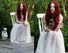 Havisham. (by Megan McMinn) http://lookbook.nu/look/3371215-Havisham