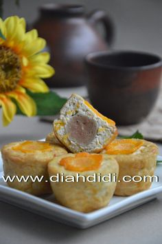 Diah Didi's Kitchen: Cup Tahu Imut Isi Bakso Indonesian Desserts, Indonesian Cuisine, Tofu Recipes, Snack Recipes, Cooking Recipes, Diah Didi Kitchen, A Food, Food And Drink, Savory Snacks