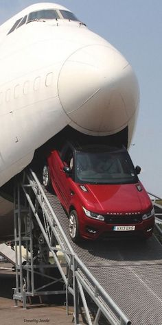 This is how you transport your Range Rover when traveling abroad