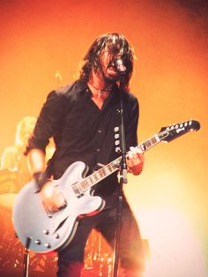 I've seen that guitar in real life...I could have touched it if I really wanted to :) Music Love, Rock Music, My Music, Learning To Live Again, There Goes My Hero, Foo Fighters Nirvana, Great Bands, Music Icon, Guitar Pics