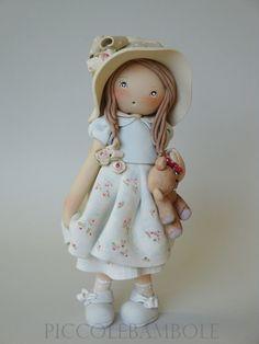 """""""dolls standing"""" - Benvenuti su piccolebambole!"""