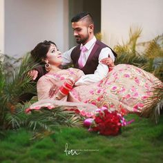That was a classic pose you can shoot this with up spot light in night for more. Indian Wedding Poses, Pre Wedding Poses, Wedding Couple Poses, Bridal Poses, Indian Wedding Photography, Pre Wedding Photoshoot, Wedding Pics, Wedding Shoot, Wedding Couples