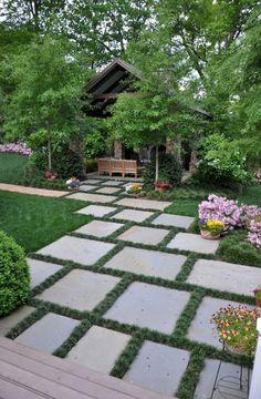 Stunning inspiration modern walkways pavers for front yard ideas (11)