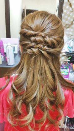 ねじりルーズハーフアップ | 松戸・新松戸の美容室 hair space COCO 松戸店のヘアスタイル | Rasysa(らしさ)