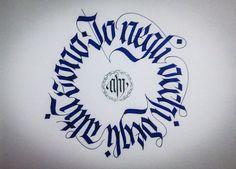 """""""Io negli occhi degli altri sono"""" © 2014 alberto manzella. Tutti i diritti riservati. www.albertomanzella.it #albertomanzella #albertomanzellafoto #calligrafia #calligraphy #fraktur #textur #gotica #gothic #echidicarta #corsi #corsicalligrafia #fotografia"""