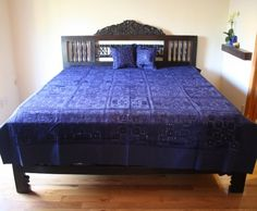 Indian Mirror and Patchwork Bedspread with blue color, embroider on thick natural cotton from Worldcraft Industries. Luxury Duvet Covers, Luxury Bedding, Modern Bedding, Dinosaur Toddler Bedding, Indian Bedding, Vintage Bedspread, Moroccan Bedroom, House Beds, Bed Styling