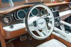 2015 Bentley SUV EXP 9 F Steering