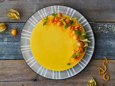 Tyrni-appelsiinijuustokakku