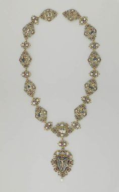 Necklace: Scenes from the Passion -   16 th century - Germany