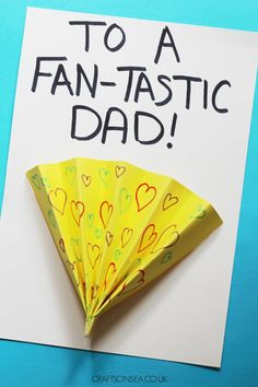 Need a fun Fathers Day card the kids can make? This cute fan card can be adapted for older or younger kids and makes a super cute keepsake too! #fathersday Preschool Crafts, Fun Crafts, Toddler Learning, Fathers Day, Fan, Cards, Gifts, Autumn, Gift Ideas