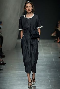 Bottega Veneta Spring 2015 Ready-to-Wear Fashion Show - Edie Campbell