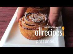 Video, wie man Apfel Rosen aus Blätterteig selber macht. Die Apfelrosen sehen zu süß aus und sind einfach zu machen