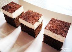 Brownie cu capsuni si crema mascarpone vanilata din Carte de bucate, Dulciuri. Specific Romania. Cum sa faci Brownie cu capsuni si crema mascarpone vanilata