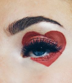 Valentines Day Makeup Look Style Heart Eyes