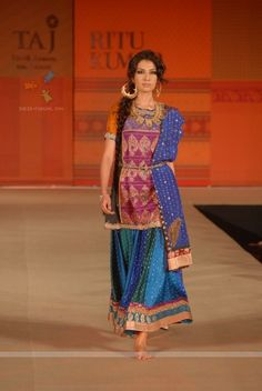 LOVE THIS  (Arabian Nights show) :::  Ritu Kumar