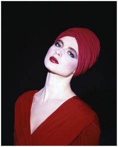 Isabella Rossellini Norman Parkinson 1982.  The spitting image of her mother, Ingrid Bergman.