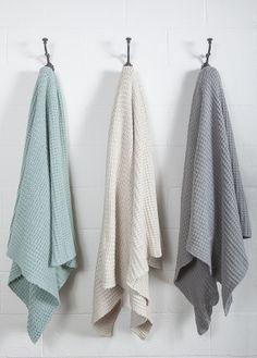 Bof - Nouveauté Printemps 2014 Country Cupboard, Bedding, Quilts, Collections, Heart, Colour Gray, Cotton, Salvia, Shape