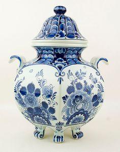 RP: Vintage Delft Blue Lidded Jar
