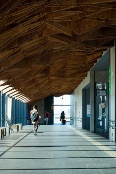 Hoshakuji Station (宝積寺駅) / Designed : Kengo Kuma & Associates (監修:隈研吾建築設計事務所).
